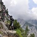 4. Vorsichtig in die Steilstelle fahren