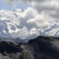 Mont Blanc und Aiguille du Midi hinter Wolken