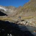 Gletscherbachüberquerung.