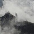 Um den Gipfel jagen... Nebelschwaden.
