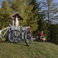 Unsere geliebten Bikes beim Beten.